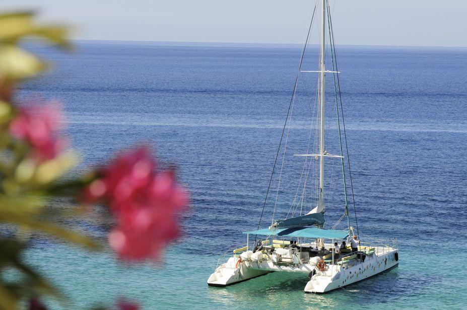 unics-event-catamaran-charter-mallorca_1.jpg