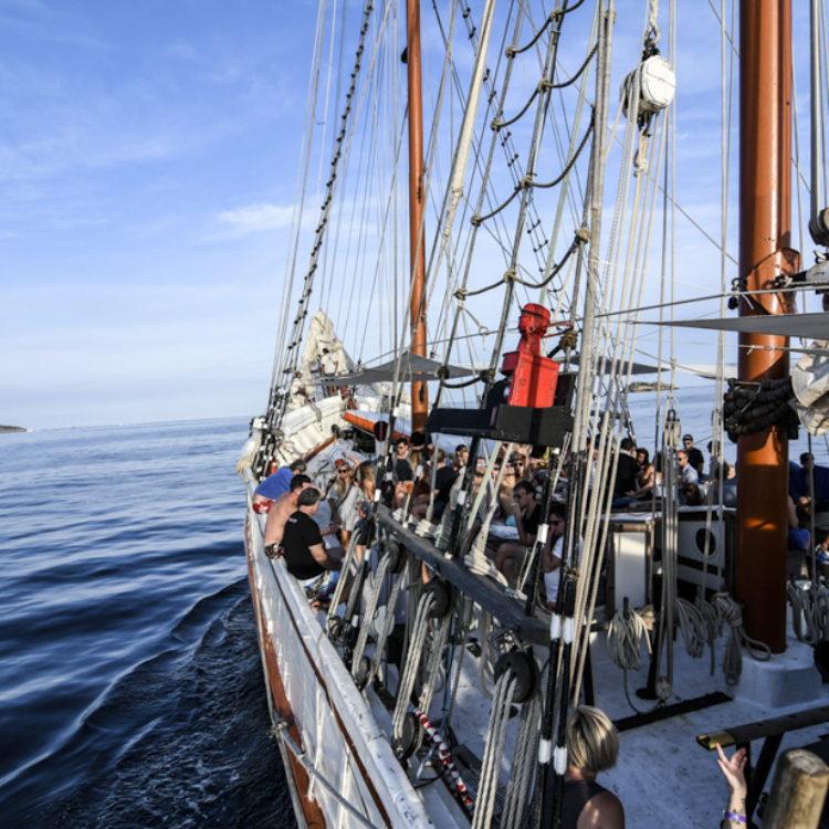 Klassische Segelboote