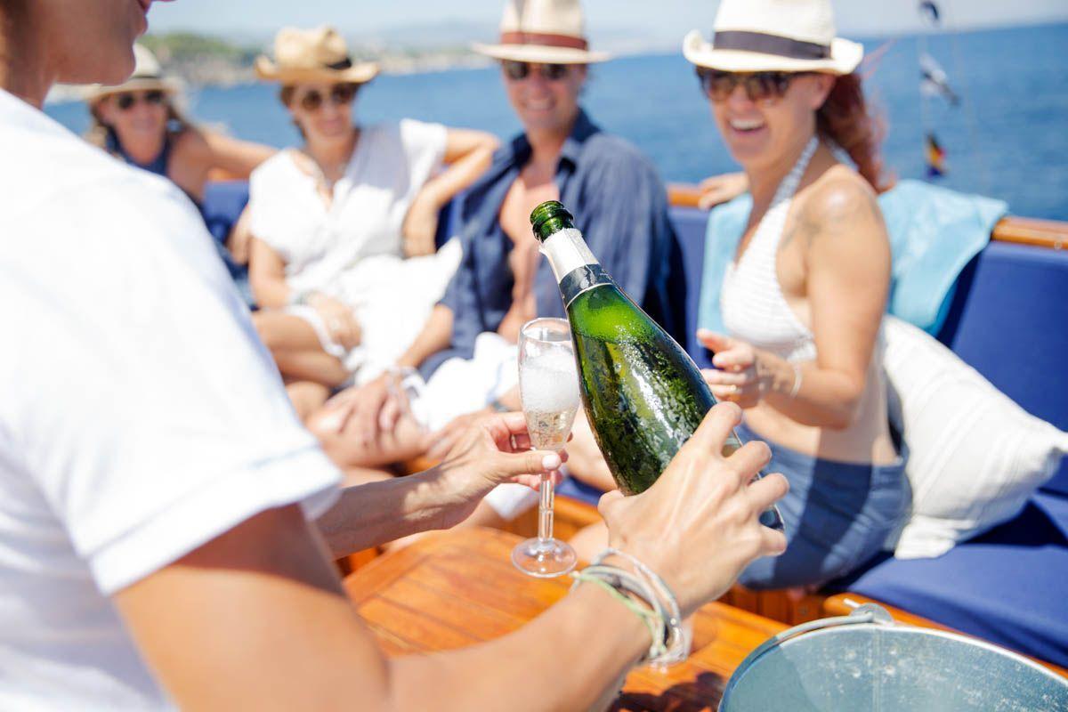 luxury-classic-yacht-Mallorca-2